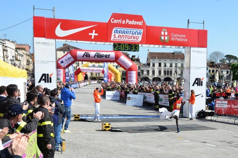 Kipkemboi e1429624601464 - Maratona S. Antonio: doppietta keniana e gran successo Daser